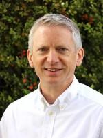 Headshot of Dan Fons